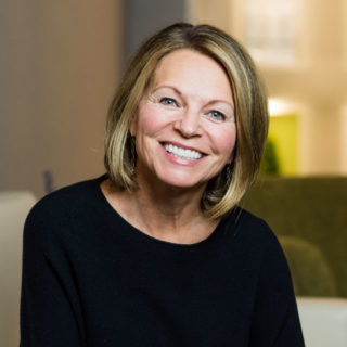 Lori Kemmet, DDS specializes in cosmetic dentistry in Boulder, CO serving the Front Range and ColoradoDr. Lori Kemmet specializes in Incredible Smiles. From Invisalign to veneers and everything in between. Call to schedule your FREE consultation for veneers and Invisalign today!